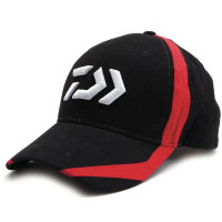 Sapca Daiwa Black/Red Flash D Logo